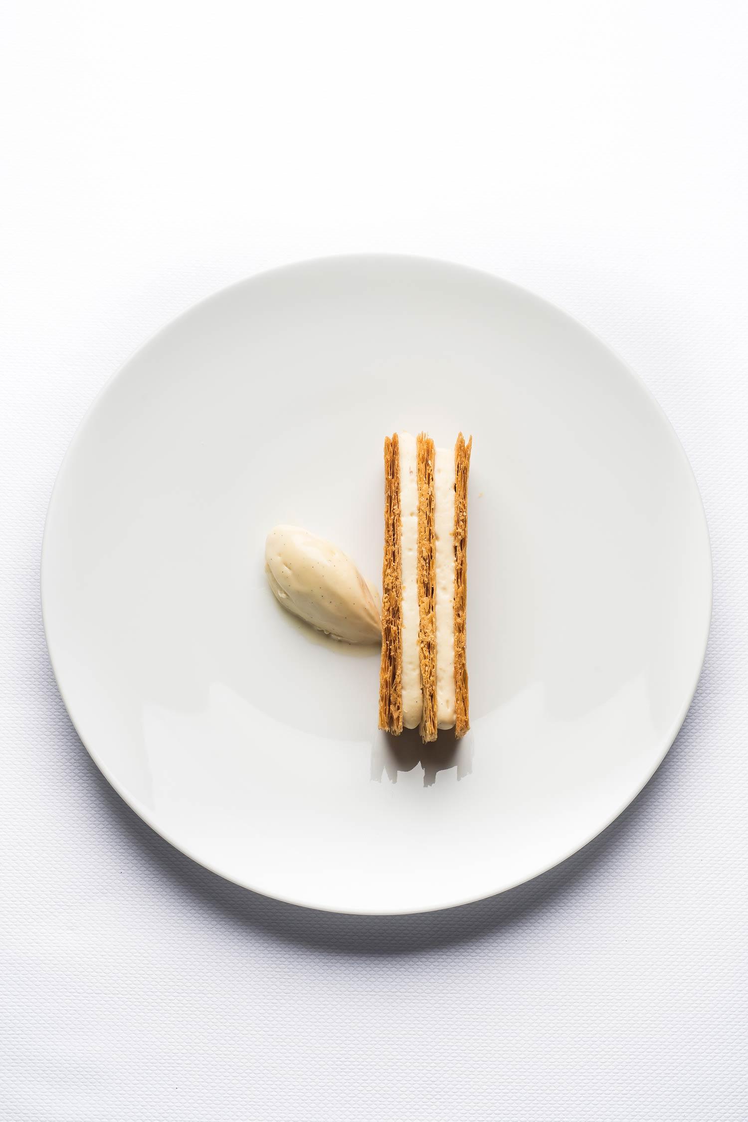 Millefeuille à la vanille - Restaurant le Grand Saint-Michel